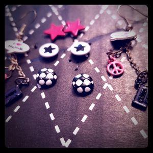 Rock out girl! Earrings bundle